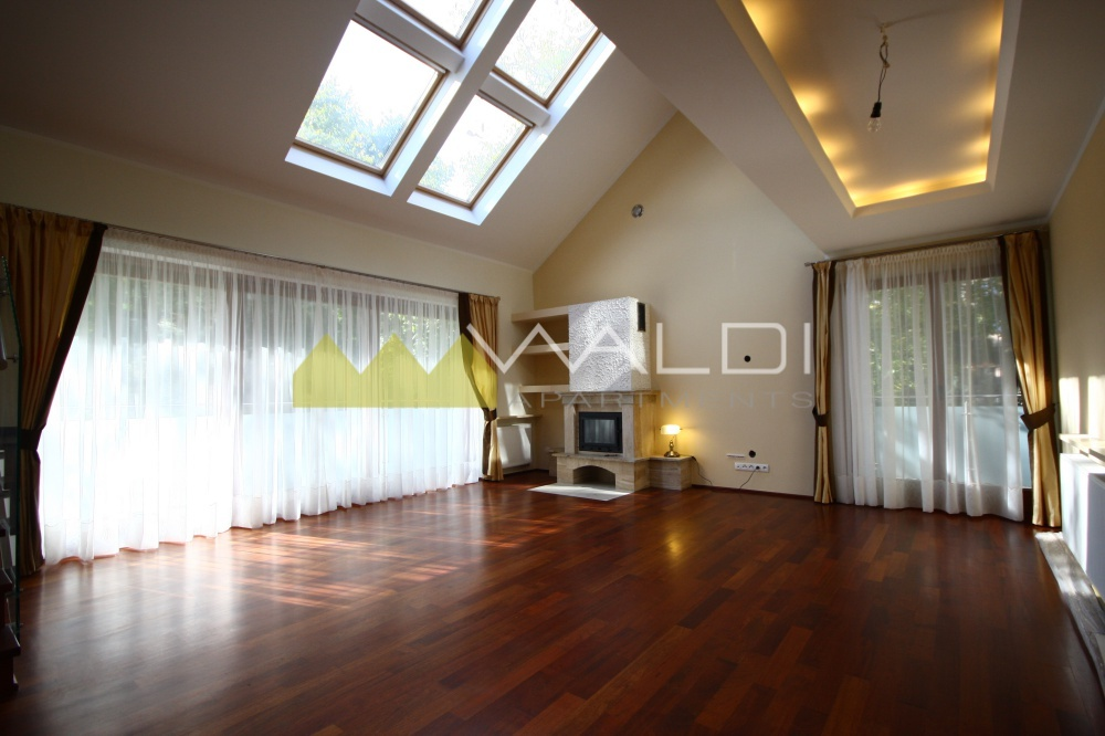 Two floor apartment directly in the park waldi apartments for Two floor apartment